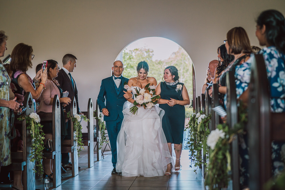 kristy-ryan-ironbark-hill-vineyard-enzo-weddings-235