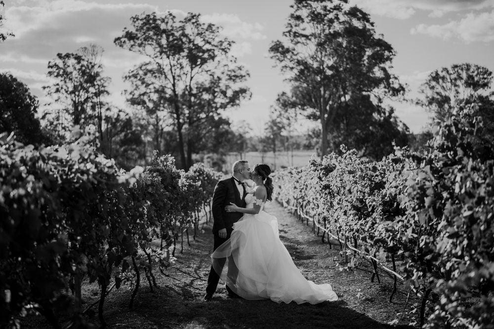 kristy-ryan-ironbark-hill-vineyard-enzo-weddings-441-1