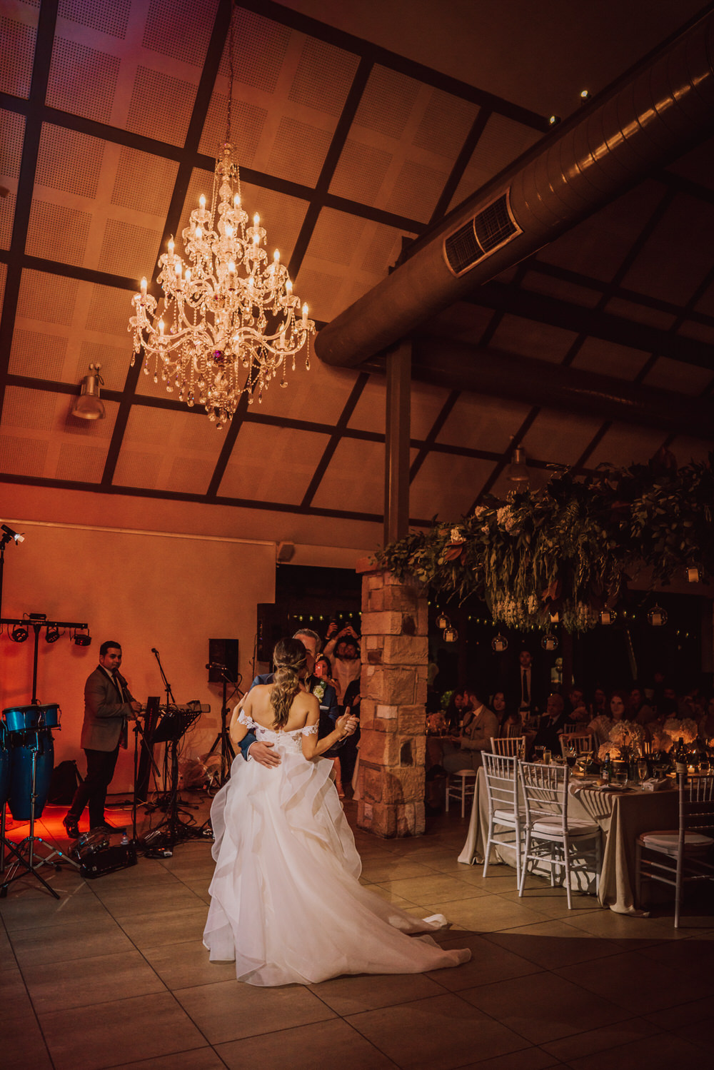 kristy-ryan-ironbark-hill-vineyard-enzo-weddings-760