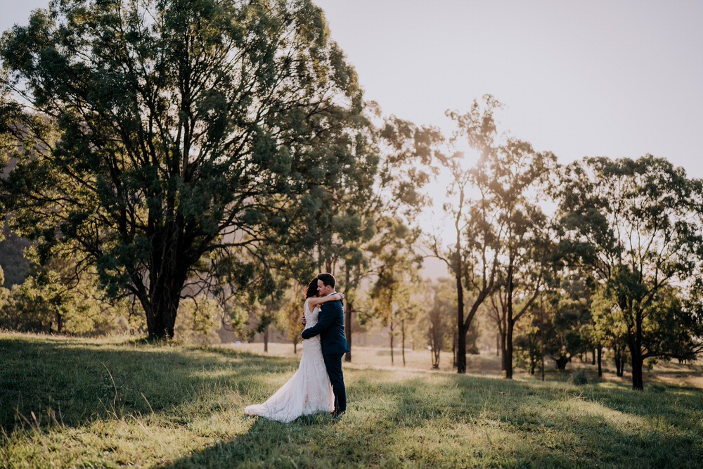 ava-me-photography-ange-andy-adams-peak-country-estate-barn-hunter-valley-broke-wedding-559-1