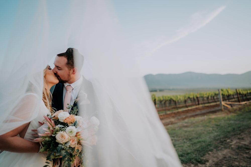 ava-me-photography-chantel-andreas-enzo-hunter-valley-ironbark-hill-vineyard-wedding-677