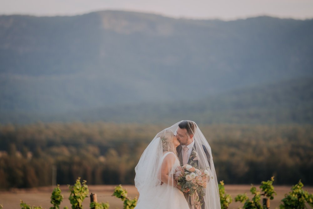 ava-me-photography-chantel-andreas-enzo-hunter-valley-ironbark-hill-vineyard-wedding-679-1