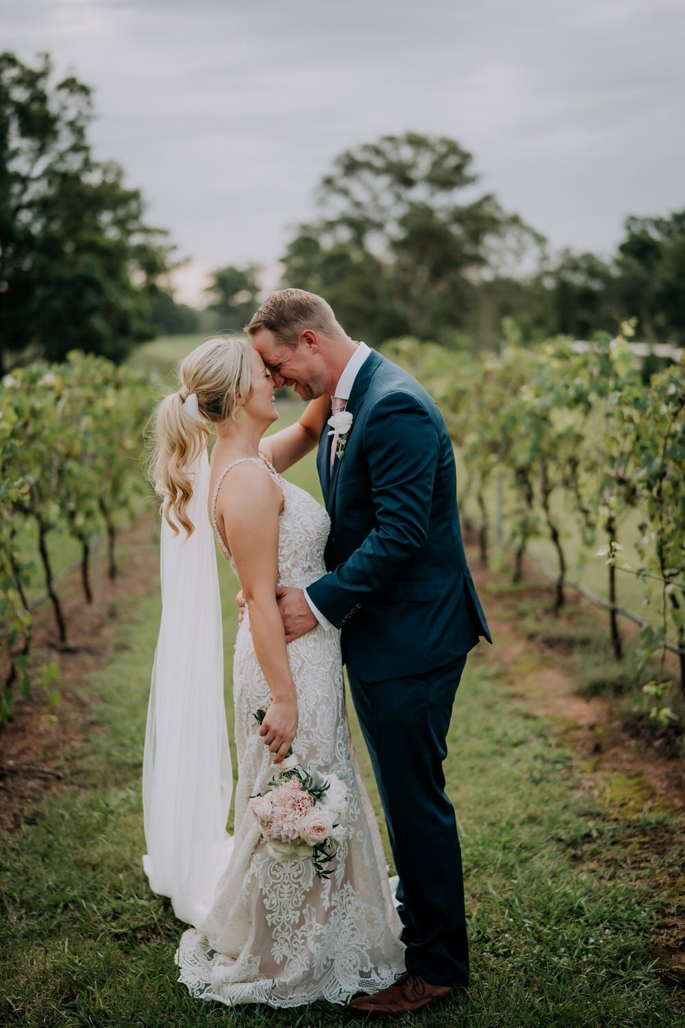 ava-me-photography-maddy-wayne-enzo-hunter-valley-ironbark-hill-vineyard-drayton-wines-wedding-5431