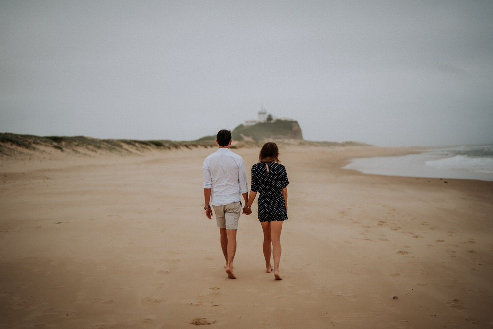 ava-me-photography-alice-brody-nobbys-beach-newcastle-engagement-2