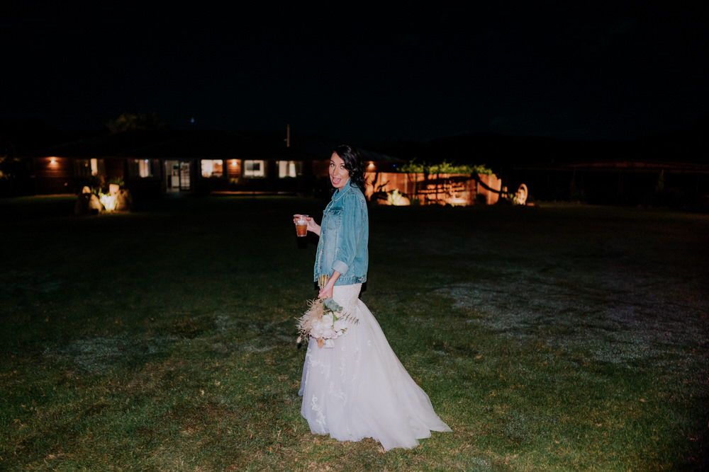 ava-me-photography-ange-andy-adams-peak-country-estate-barn-hunter-valley-broke-wedding-1059