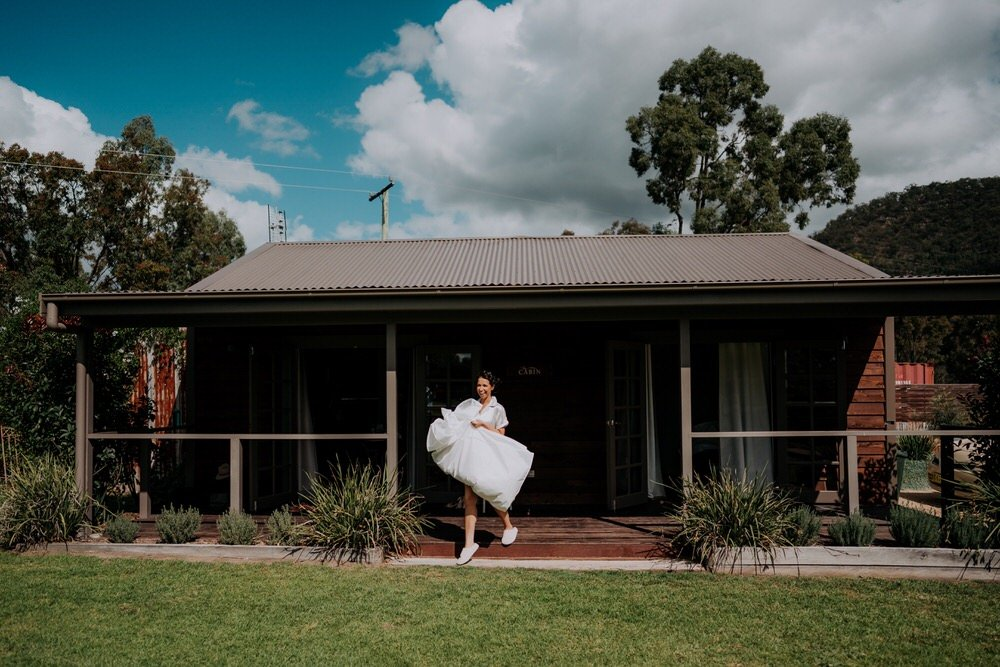 ava-me-photography-ange-andy-adams-peak-country-estate-barn-hunter-valley-broke-wedding-16
