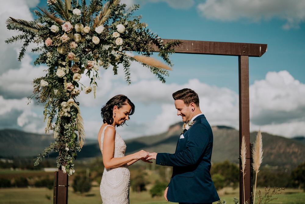 ava-me-photography-ange-andy-adams-peak-country-estate-barn-hunter-valley-broke-wedding-383