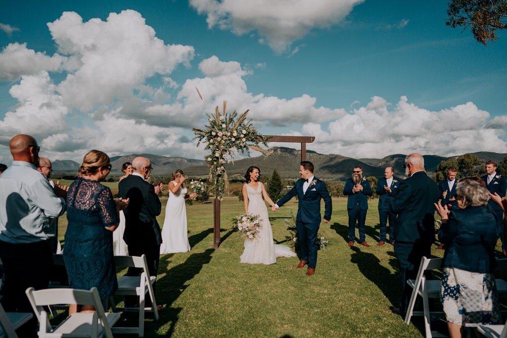 ava-me-photography-ange-andy-adams-peak-country-estate-barn-hunter-valley-broke-wedding-413
