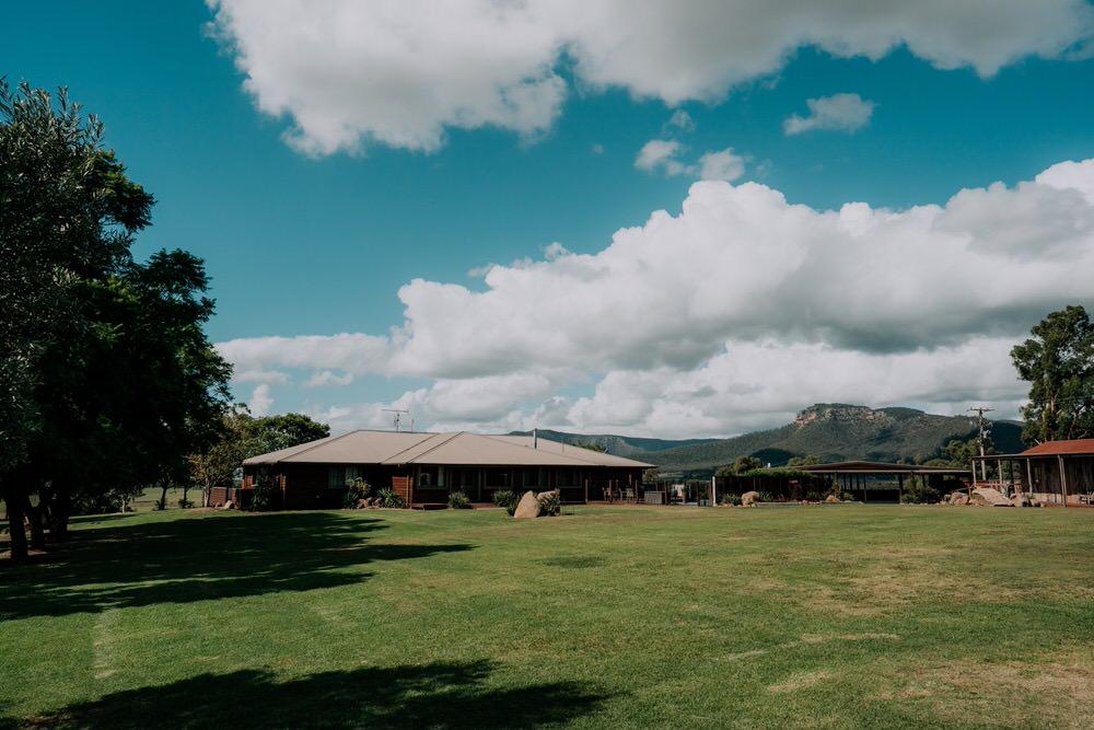 ava-me-photography-ange-andy-adams-peak-country-estate-barn-hunter-valley-broke-wedding-60