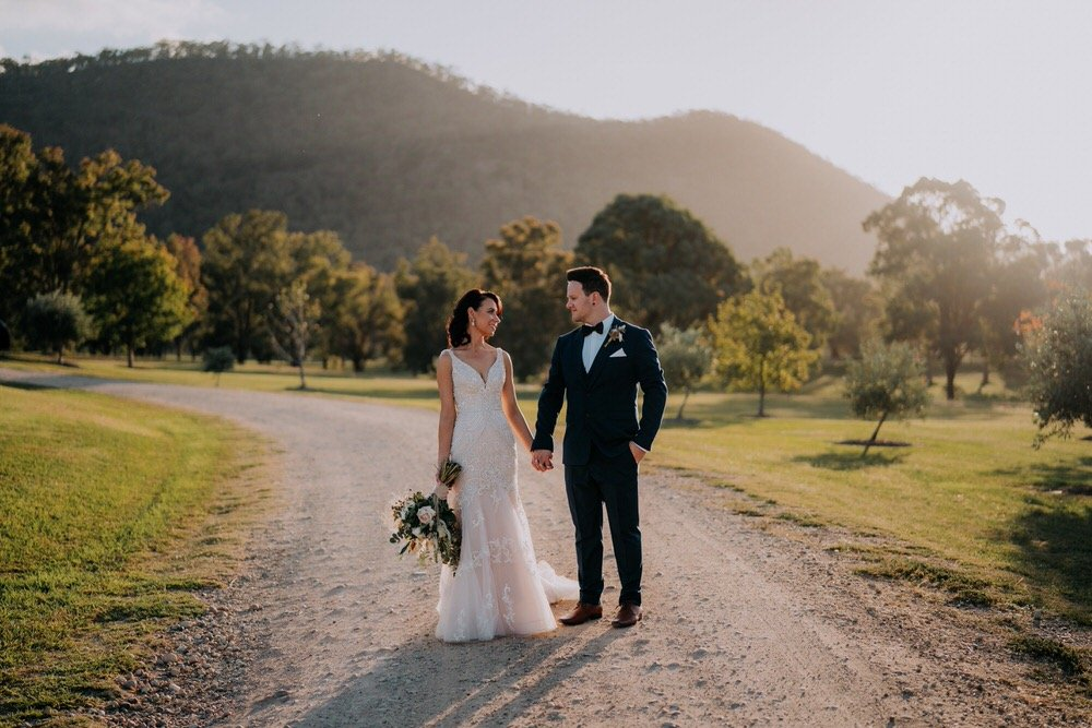 ava-me-photography-ange-andy-adams-peak-country-estate-barn-hunter-valley-broke-wedding-617