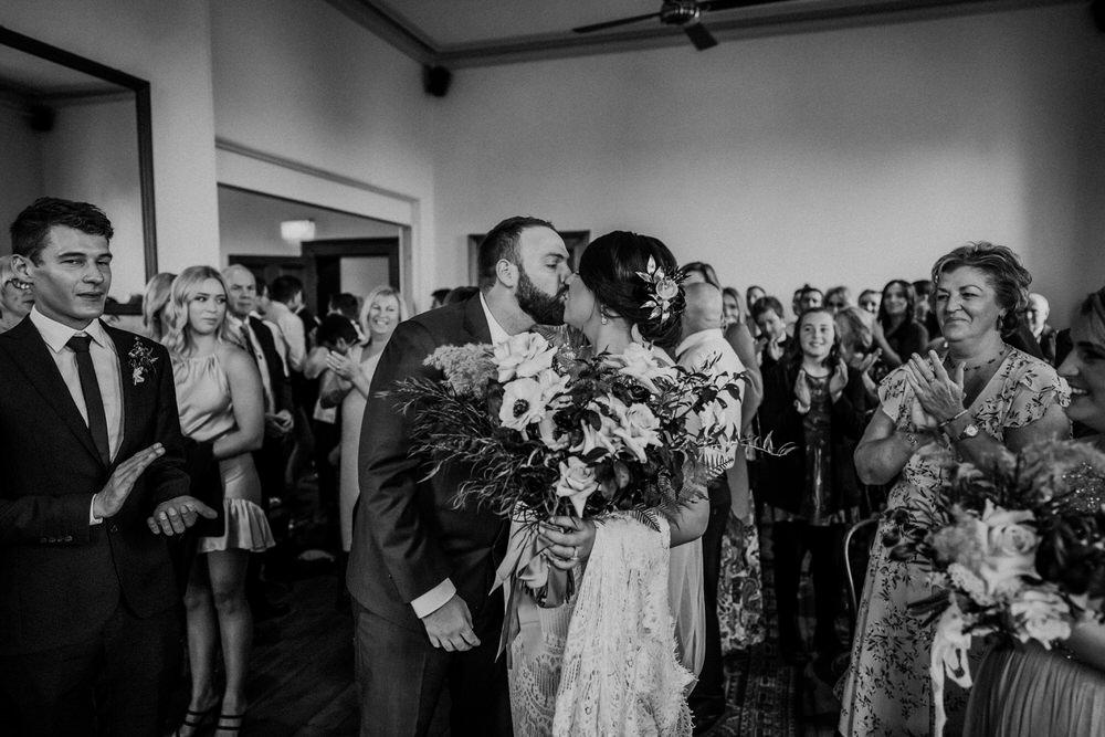 ava-me-photography-cassie-nathan-newcastle-customs-house-48-watt-st-wedding-0068