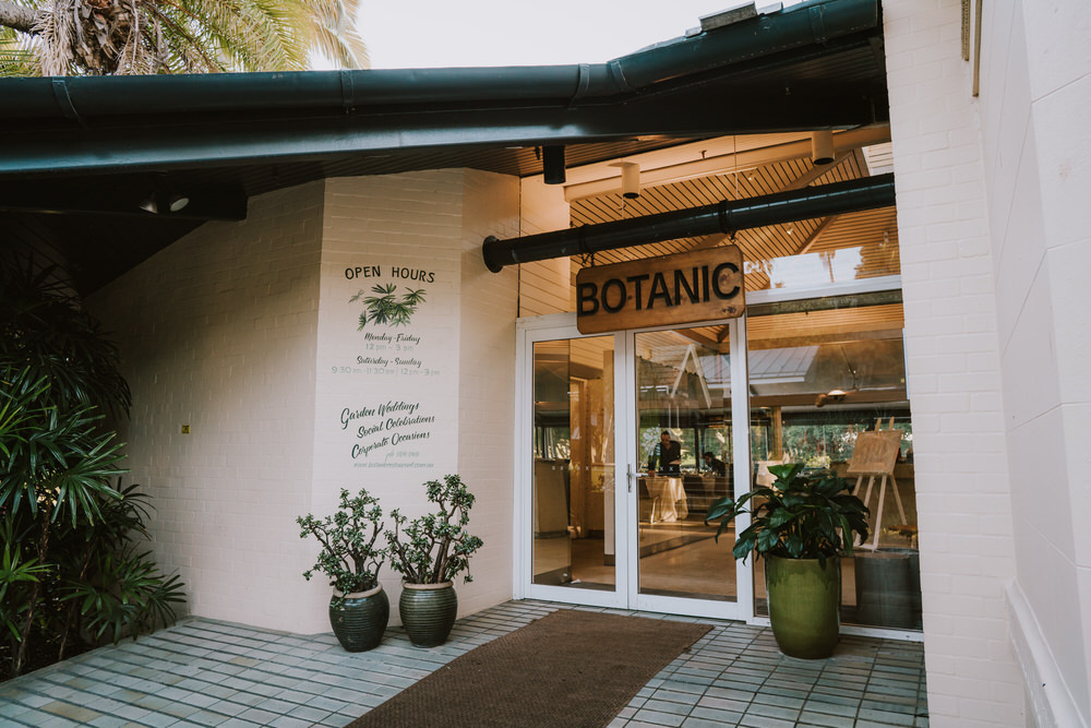 ava-me-photography-corinne-nathan-royal-botanic-gardens-sydney-restaurant-st-lukes-anglican--church-miranda-420