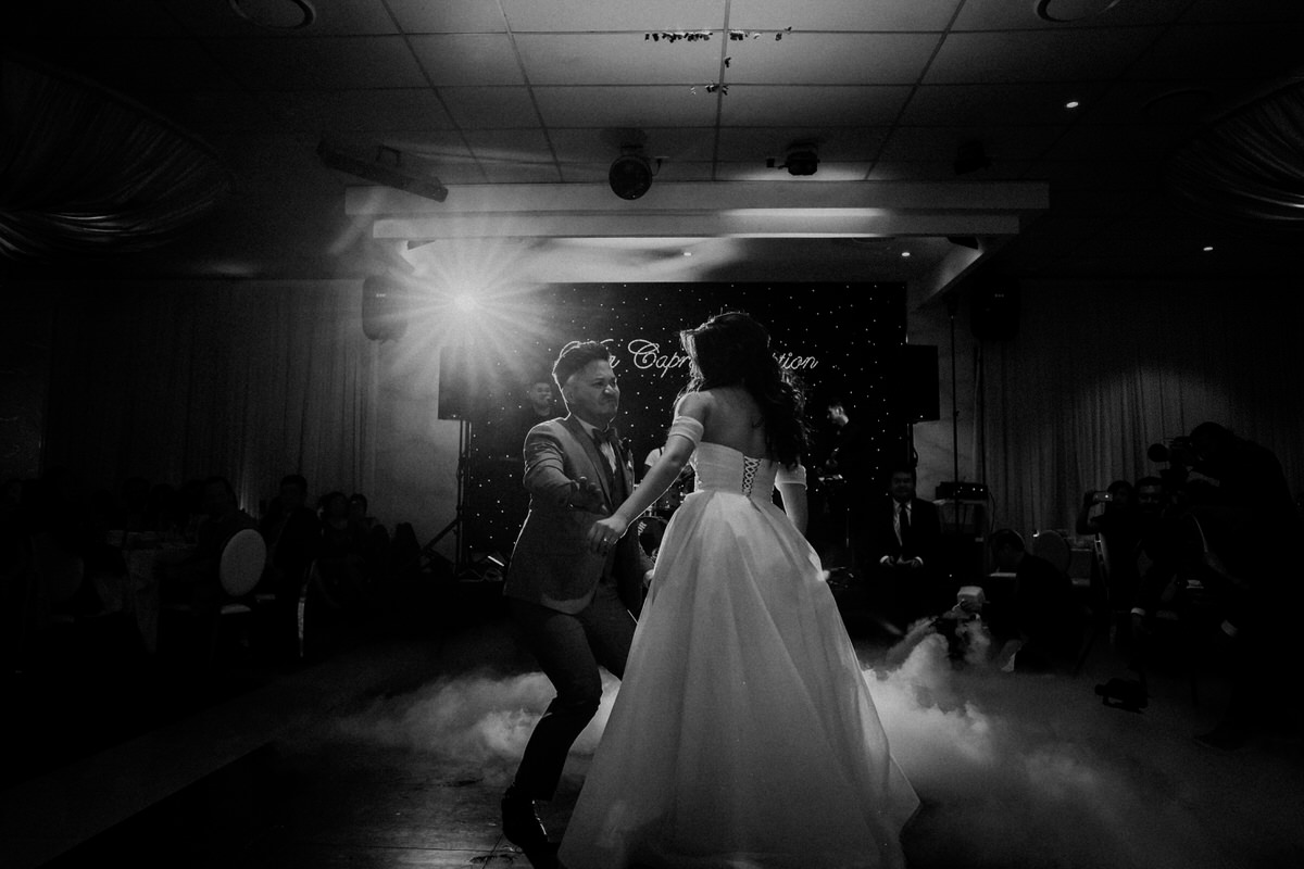 ava-me-photography-deb-zee-william-inglis-hotel-warwick-farm-villa-capri-cabramatta-hillsong-chapel-norwest-wedding-01732