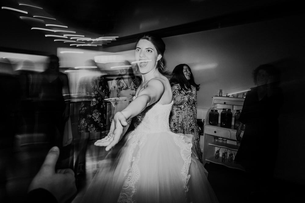ava-me-photography-mikaela-jesse-loxley-on-bellbird-hill-kurrajong-hills-blue-mountains-wedding-1020
