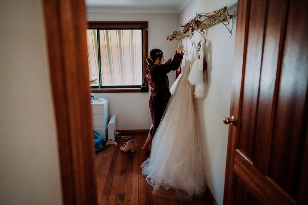 ava-me-photography-mikaela-jesse-loxley-on-bellbird-hill-kurrajong-hills-blue-mountains-wedding-2