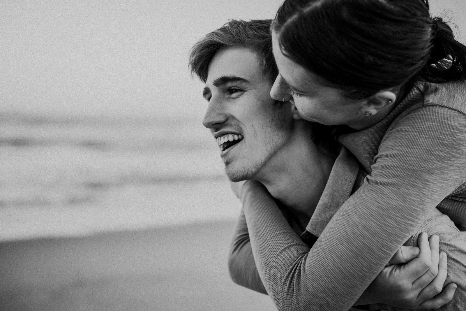 samantha-mitchell-dudley-beach-newcastle-engagement-29